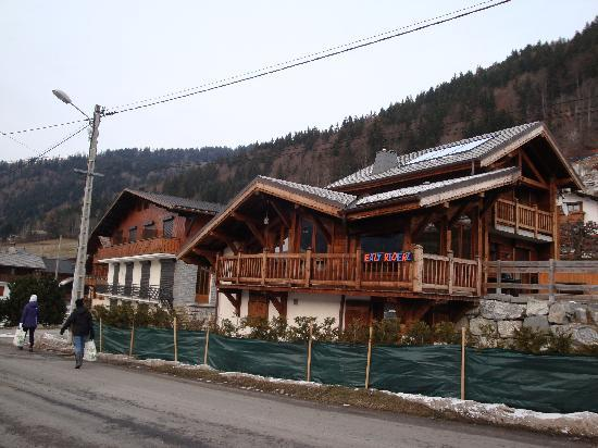 Eazy Riderz Chalets : The chalet