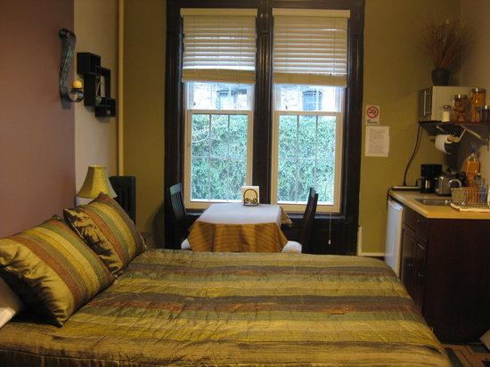 San Fermin B&B: Foto general de nuestra habitación