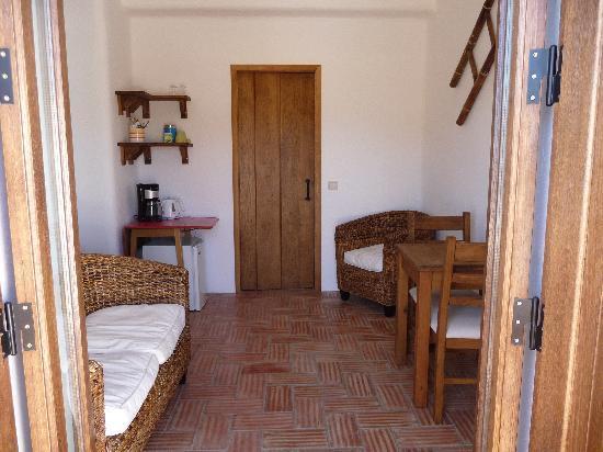 Casa Fajara Rustic Boutique House & Hotel: Living room off room four