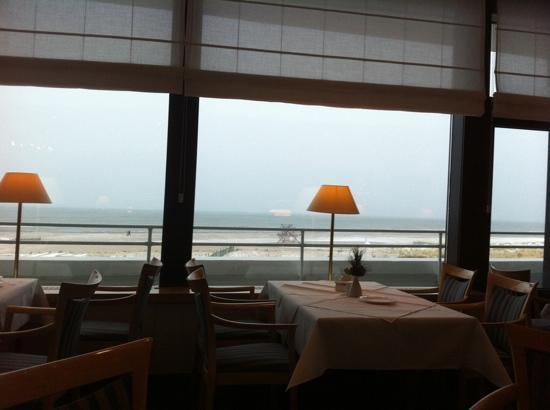 Hotel NEPTUN: restaurant view to Baltic sea
