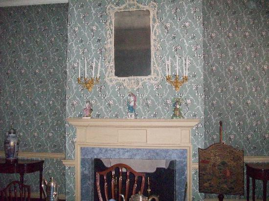 Bishop White House: Parlor fireplace