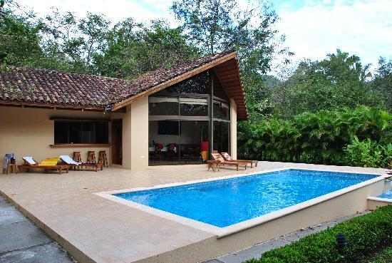 Playa Carrillo, Costa Rica: Ferienhaus mit Pool