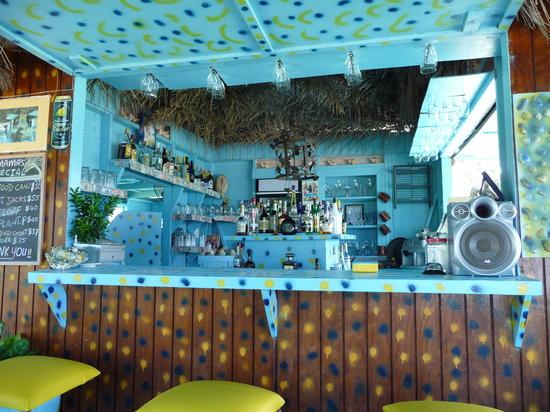 Long Bay, Antigua: The bar area