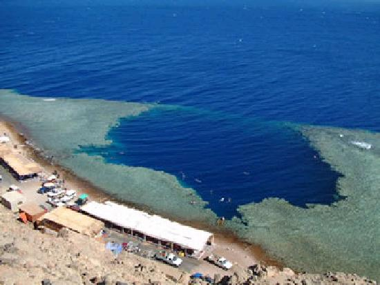 dahab blu hole picture of sharm el sheikh south sinai tripadvisor. Black Bedroom Furniture Sets. Home Design Ideas