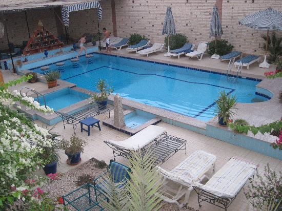 Nile Valley Hotel Restaurant: Cute but freezing cold pool