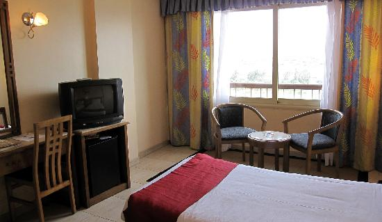 Swiss Inn Nile Hotel : Our room