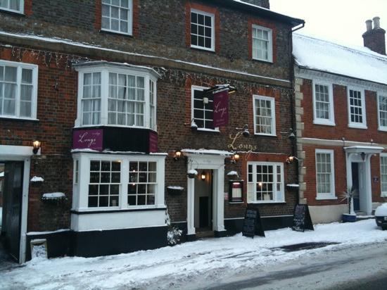 Longs Inn Hotel: The historic Longs Inn in the snow of December 2010