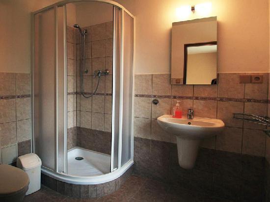 Hotel Jonathan: Bathroom