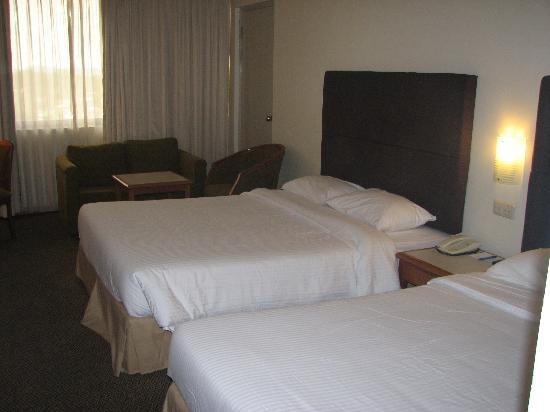 Harbour View Hotel : our familyroom