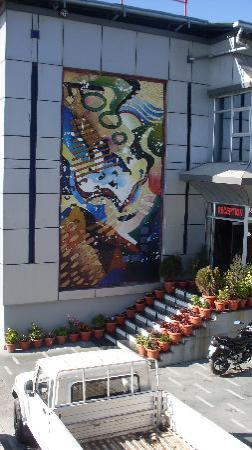 Hotel Silver Rock: Hotel Entrance