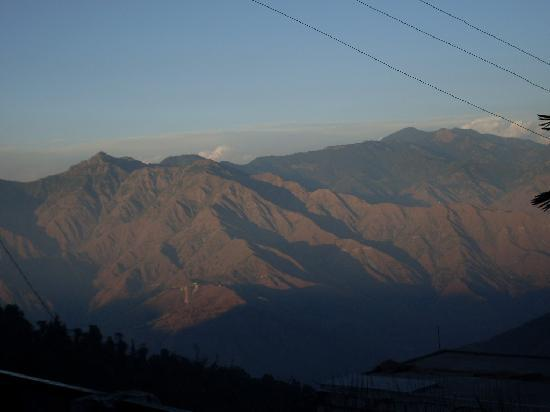 Hotel Silver Rock: One of the Doon Valley view from the hotel terrace..