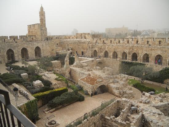 Museo Torre de David: Tower of David: Archaeological courtyard