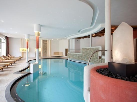 Excelsior Dolomites Life Resort : piscina - Schwimmbad - swimming pool