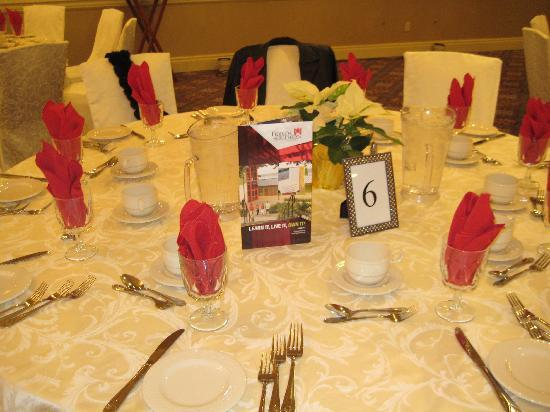 DoubleTree by Hilton Hotel Tinton Falls - Eatontown: Reception