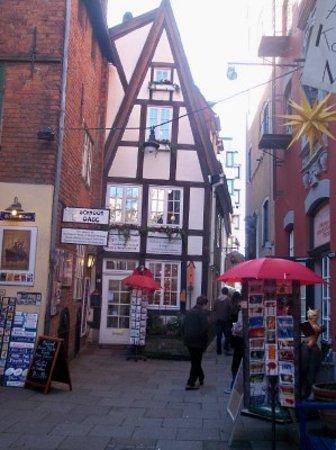 Bremen, Germany: kleine Häuser im Schnoor