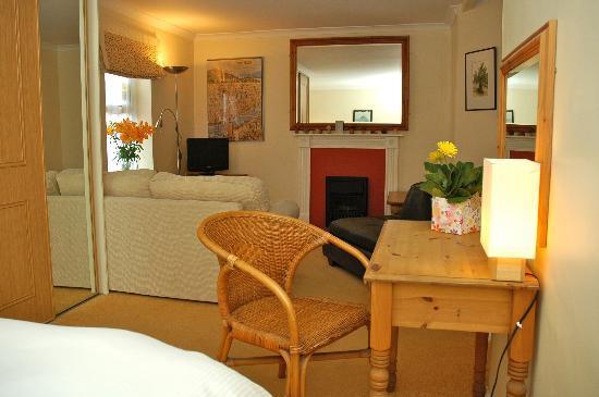 82 Fishbourne: Ground floor suite