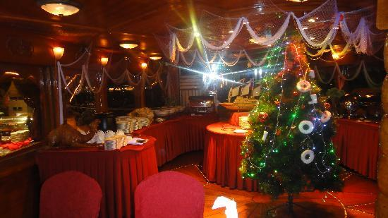 North Tours : Dhow Dinner Cruise