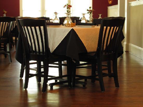 The Magnolia Thomas Restaurant : Great Atmosphere, Delicious food