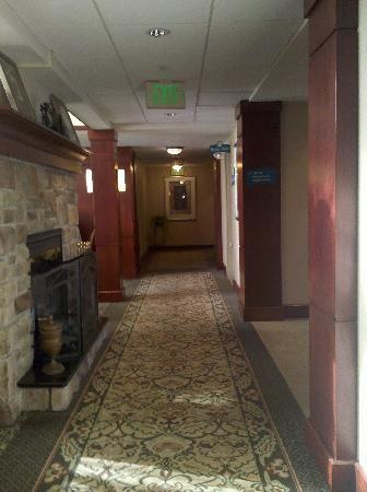 Staybridge Suites Cranbury: Hotel Lobby, Large Breakfast Area to Left