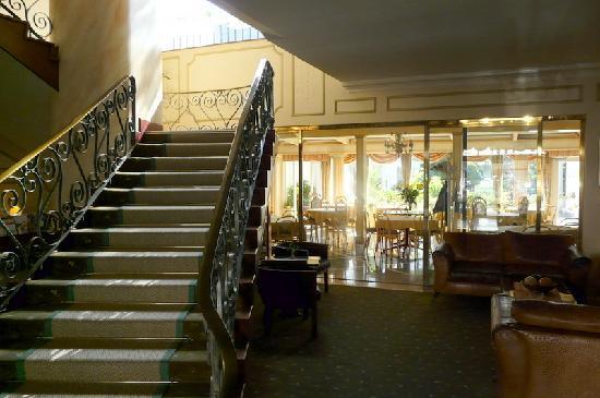 Hansa Hotel: Staircase - no elevator