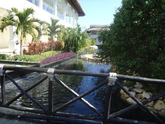 Grand Sunset Princess All Suites Resort: Part of resort