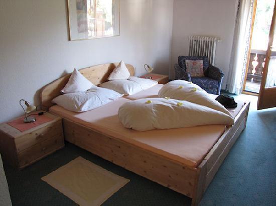 Hotel Helmerhof: Duvets shaped as a heart - sweet!