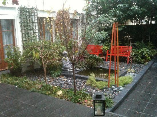 Maison Zen: courtyard