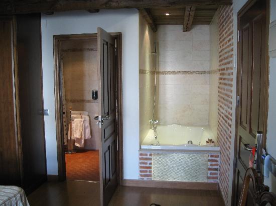 Hostería del Mudéjar: baño y bañera