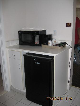 Best Western Ocean City Hotel & Suites: kitchenette