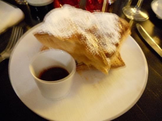 Home in Paris: Le Millefeuille , crème légère