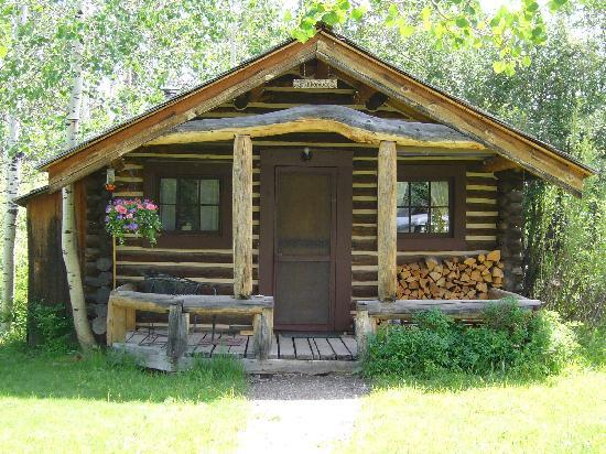 R Lazy S Ranch: Single Cabin