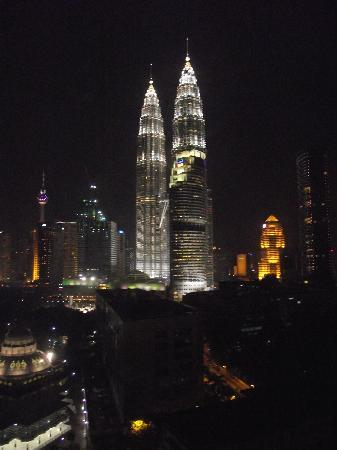 The ZON All Suites Residences : View of twin towers from our room