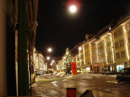 Winterthur, Suiza: Weihnachtliche Steinberggasse