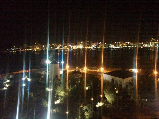 Hotel Neptuno: vista notturna dalla camera del neptuno
