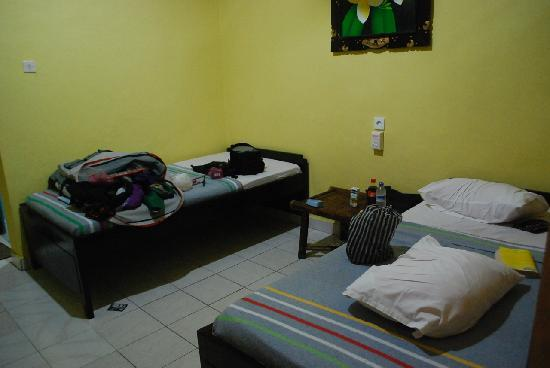 Gora Beach Inn: The room when u stand at the door. Again, pls excuse the mess.