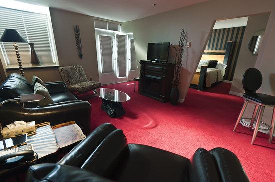 Retro Suites Hotel: Suite - 201 - Sahara