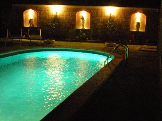 Casa Pollio: Piacina di notte