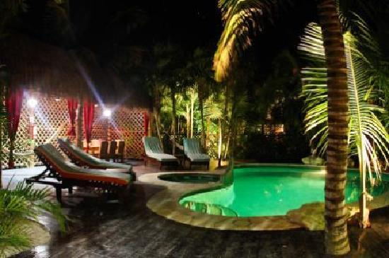 Cabanas La Luna: Magical Villa Zanzibar, with its own private lounge and pool