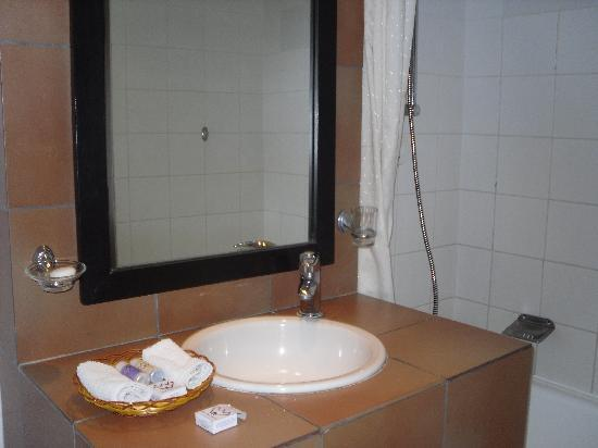 Blue Pearl Hotel: Beautiful Bathroom