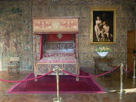 Castello di Chenonceau: The bedroom occupied by Catherine de Medici.