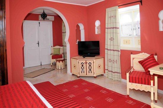Amphora Menzel Guesthouse : chambre d'hôte            (photo:Jc Boudet)