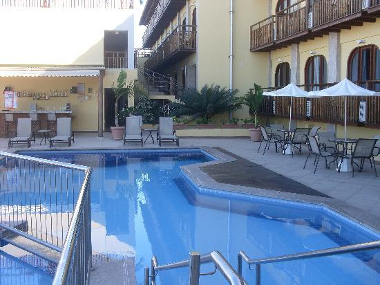 Hotel Bello Mare Comfort : Piscina e bar