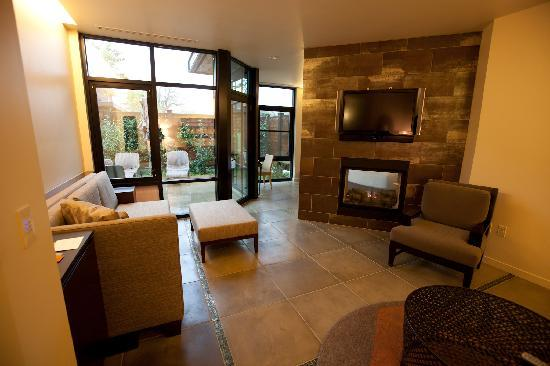 Bardessono: Living room area in the Tufa Suite