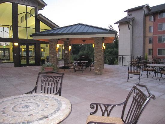 Staybridge Suites Seattle North-Everett: indoor pool, outdoor bbq, and deck near main lobby