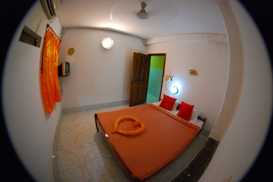 Golden Fish Guesthouse: Double room