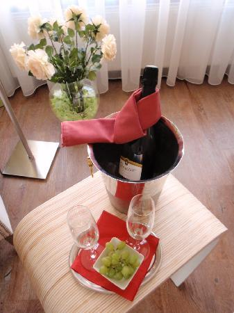 Hotel Sonne: シャンパンギフト