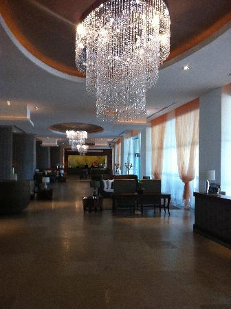 The Grand Bliss: Beautiful Chandliers