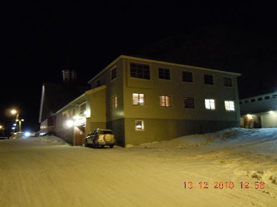Longyearbyen, Norge: Kirche von weit weg