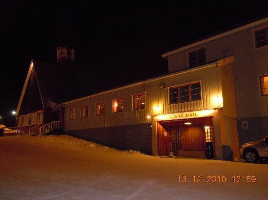 Longyearbyen, Noruega: Haupteingang zur Kirche