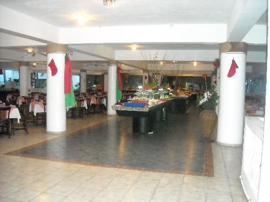 Celuisma main dining room